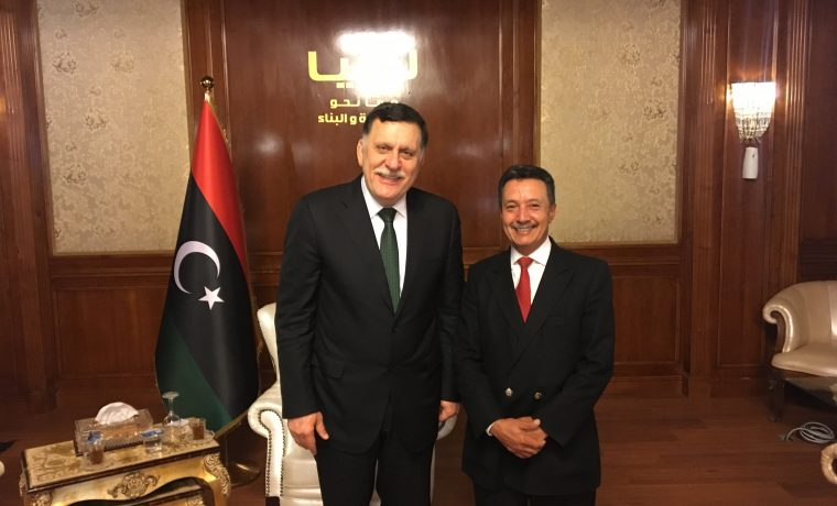 "Jihad Aweti mit dem ""alten Schulkollegen"" Fayez Mustafa Al-Sarraj (Chairman des Presidency Council - Prime Minister des Government of National Accord)"
